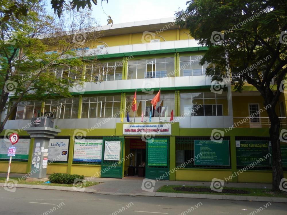 Trung tâm đào tạo Lý Nguyễn