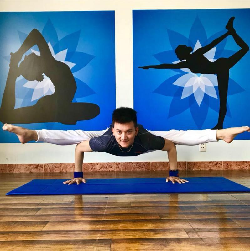 Yoga & Henry Bui - Yoga Minh Tâm
